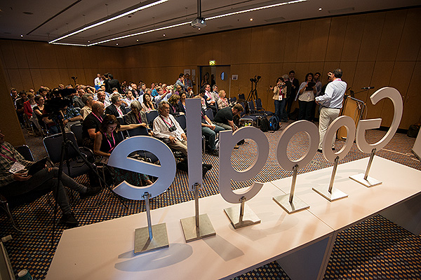 For the first time in the history of CEPIC, Google presented. As the World's biggest search engine granting much of the planet access to images on the internet, they found themselves somewhat in the lion's den having to answer to the leaders of the global picture industry regarding misuse of copyrighted images from professional photographers that are discovered on Google and what can be done about it. The IPTC had been engaging Google on the display of embedded image metadata. Google listened. Since this engagement, Google has introduced the display of embedded IPTC metadata with images in its image search as well as warning notices about copyright and information about fair use.